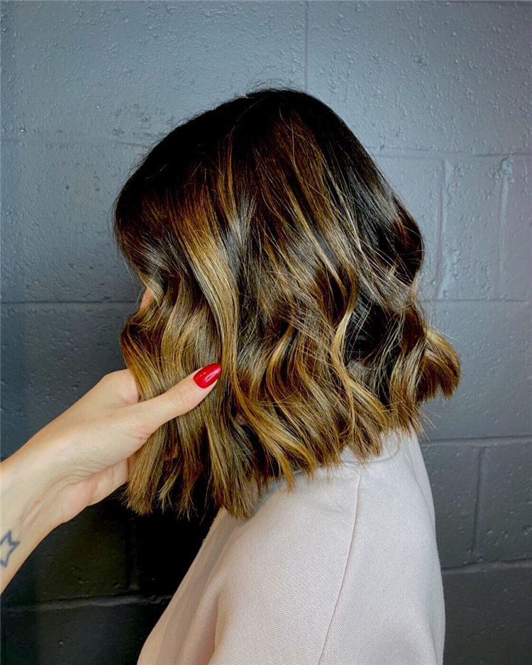 Short Brown Hair with Highlights to Look Gorgeous 21