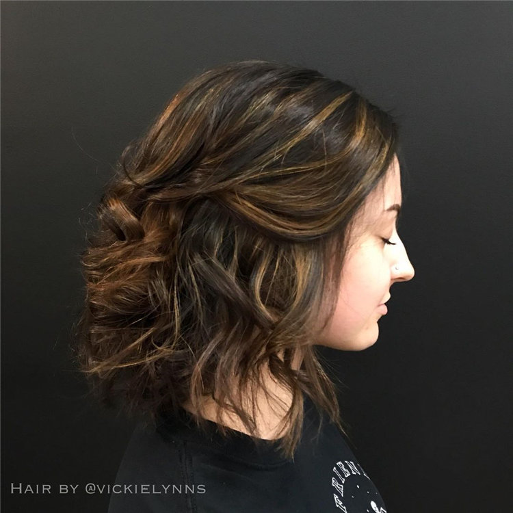 Short Brown Hair with Highlights to Look Gorgeous 26