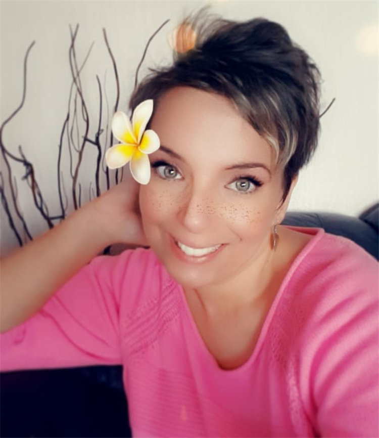 Short Brown Hair with Highlights to Look Gorgeous 31