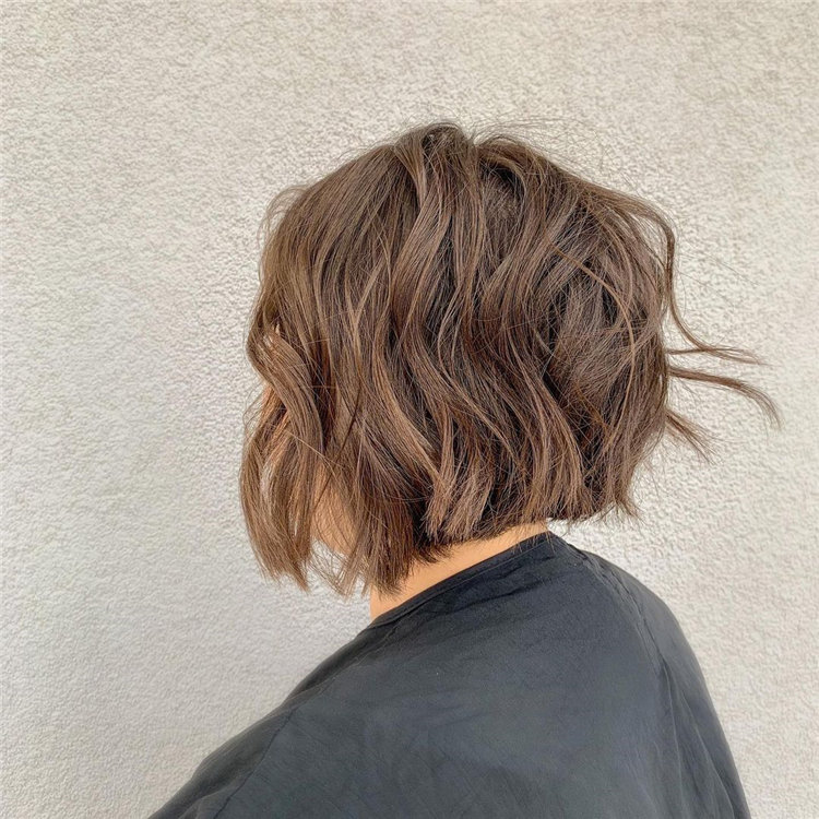 Short Brown Hair with Highlights to Look Gorgeous 36