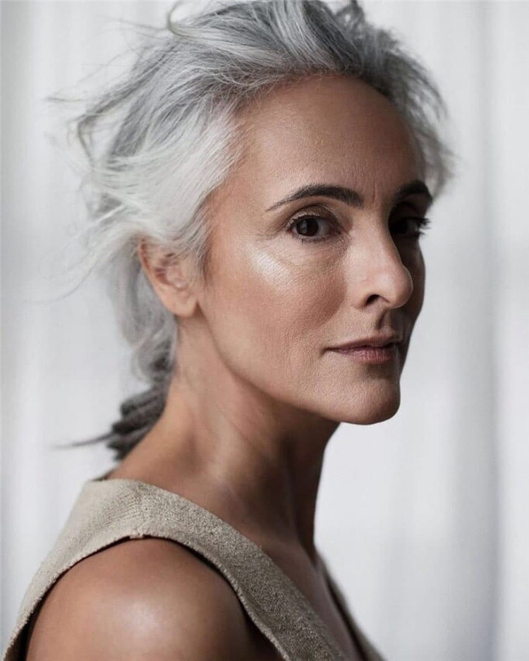 Silver Hair Over 50 Style 1