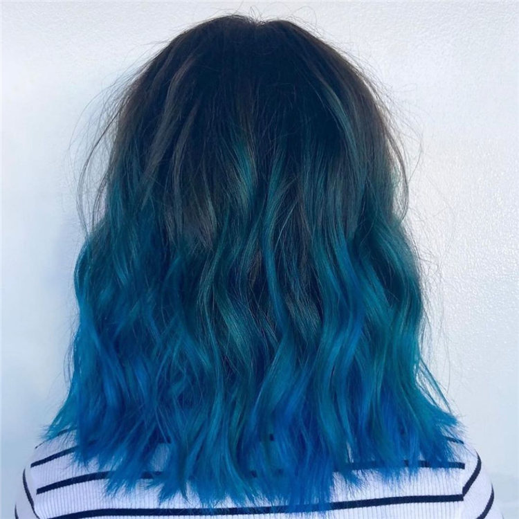 Hottest Blue Hairstyles and Color Ideas 2021 07