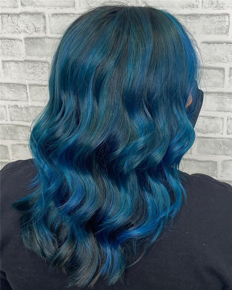 Hottest Blue Hairstyles and Color Ideas 2021 08