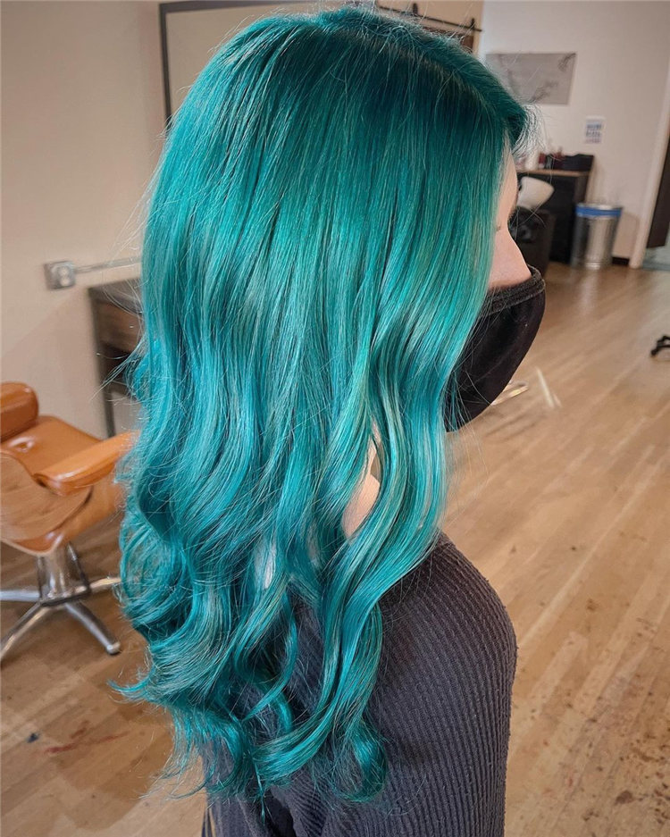 Hottest Blue Hairstyles and Color Ideas 2021 10