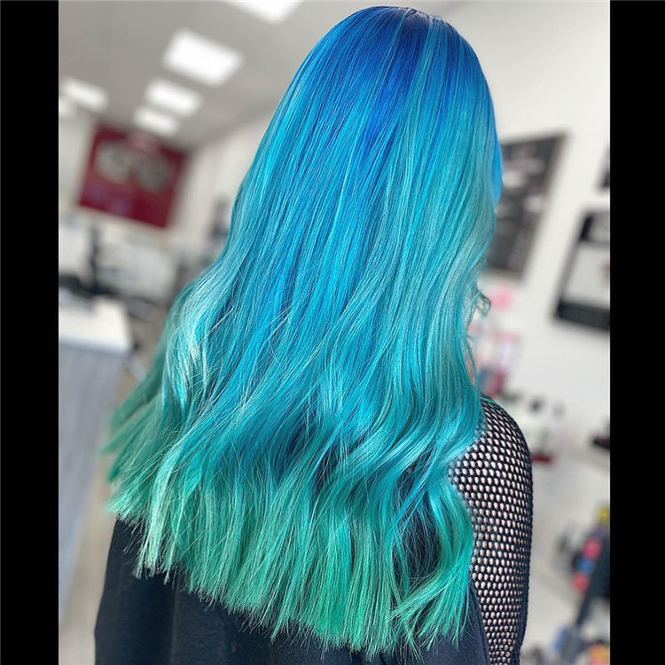 Hottest Blue Hairstyles and Color Ideas 2021 12