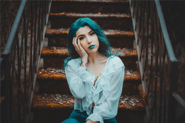 Hottest Blue Hairstyles and Color Ideas 2021 16