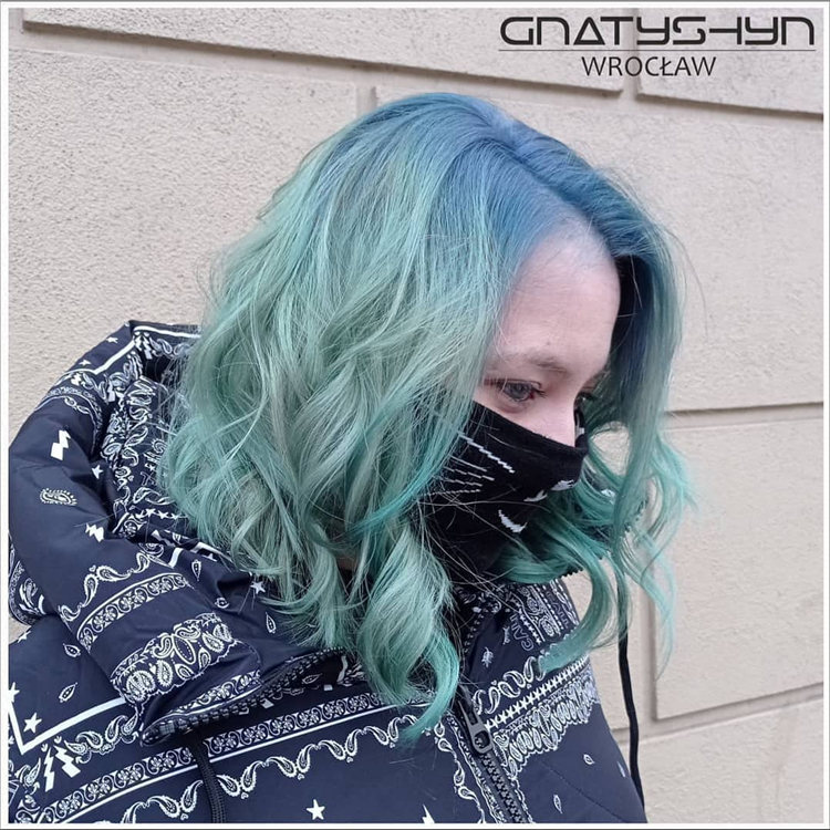 Hottest Blue Hairstyles and Color Ideas 2021 37