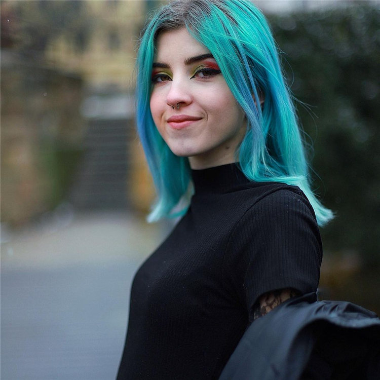 Hottest Blue Hairstyles and Color Ideas 2021 43