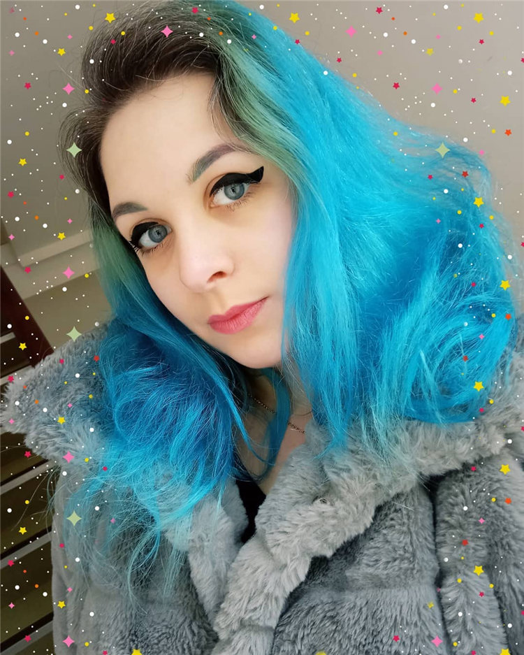 Hottest Blue Hairstyles and Color Ideas 2021 44