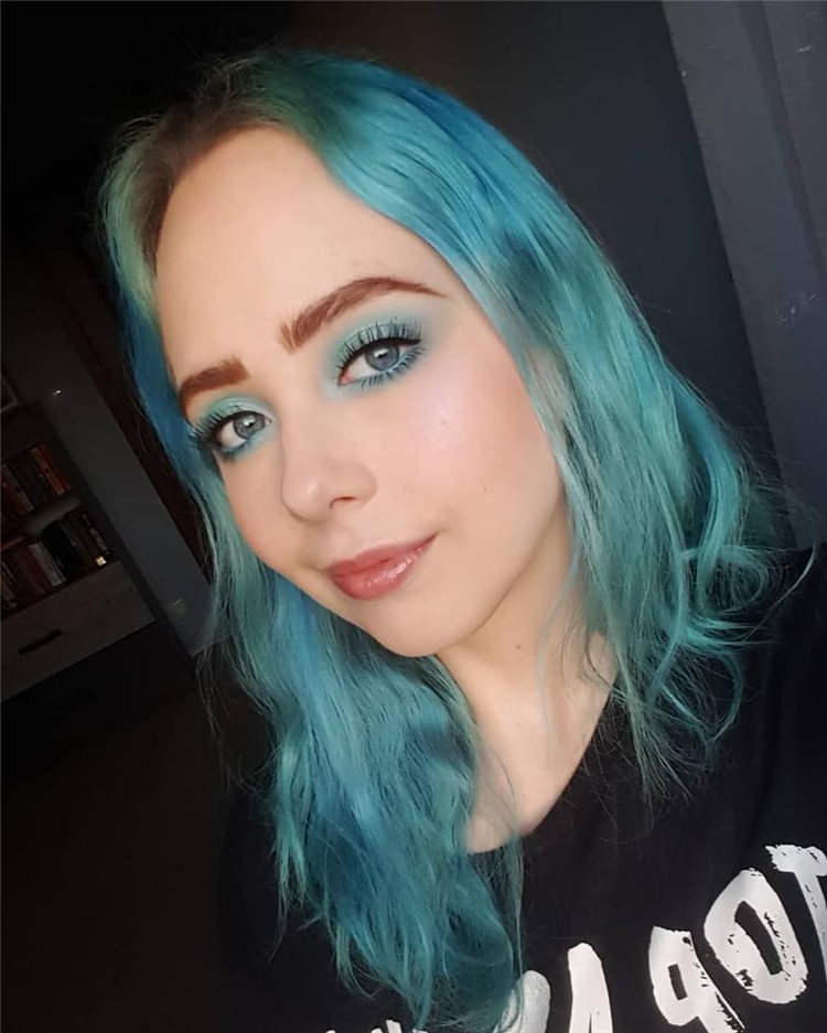 Hottest Blue Hairstyles and Color Ideas 2021 49