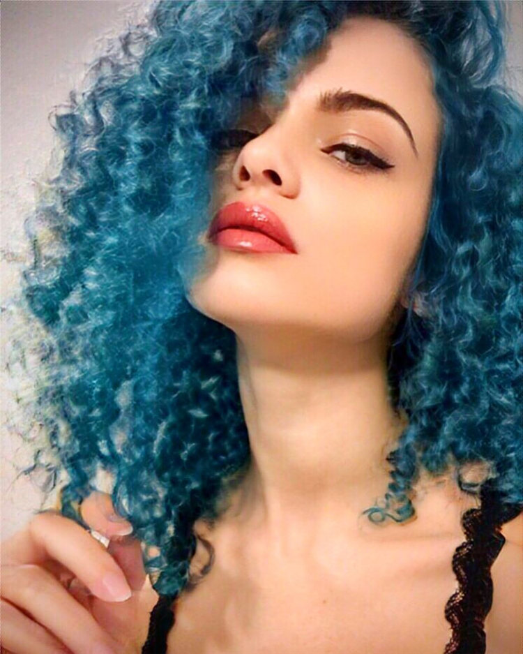 Hottest Blue Hairstyles and Color Ideas 2021 59