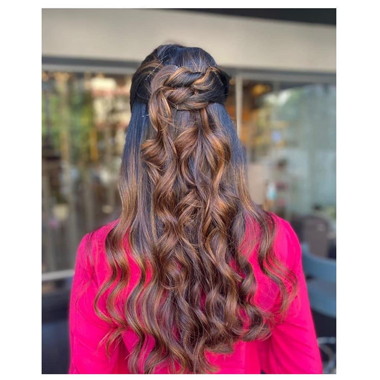 Stylish and Simple Wedding Hairstyle
