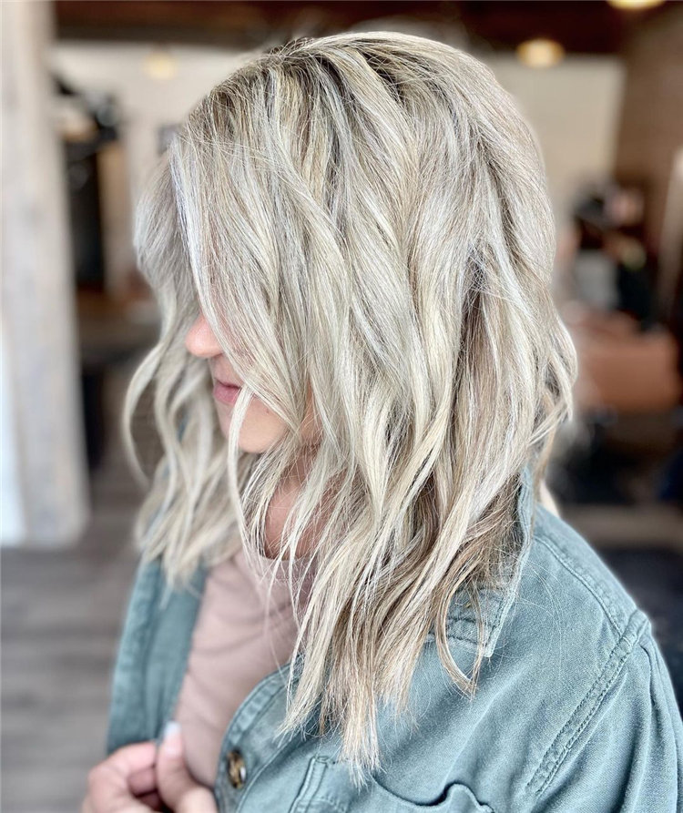Platinum Blonde Hairstyle Ideas to Look Gorgeous 02