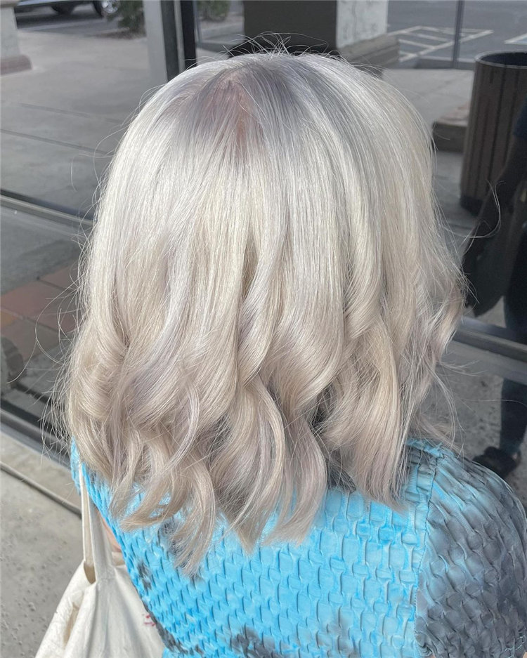 Platinum Blonde Hairstyle Ideas to Look Gorgeous 09