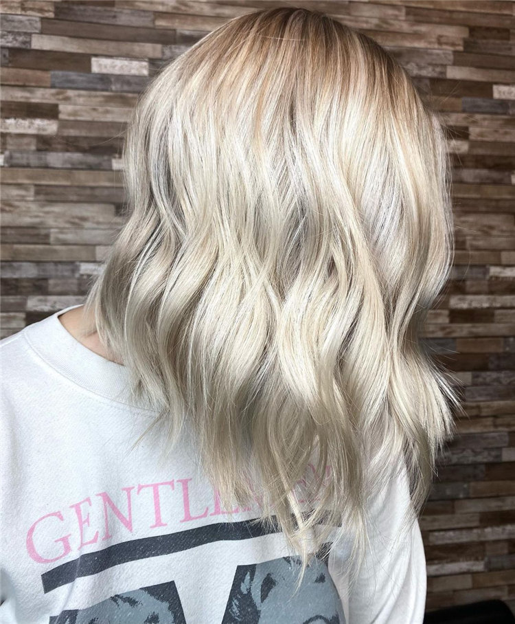 Platinum Blonde Hairstyle Ideas to Look Gorgeous 10