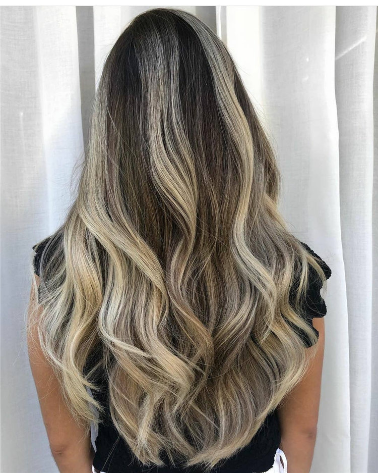 Platinum Blonde Hairstyle Ideas to Look Gorgeous 20