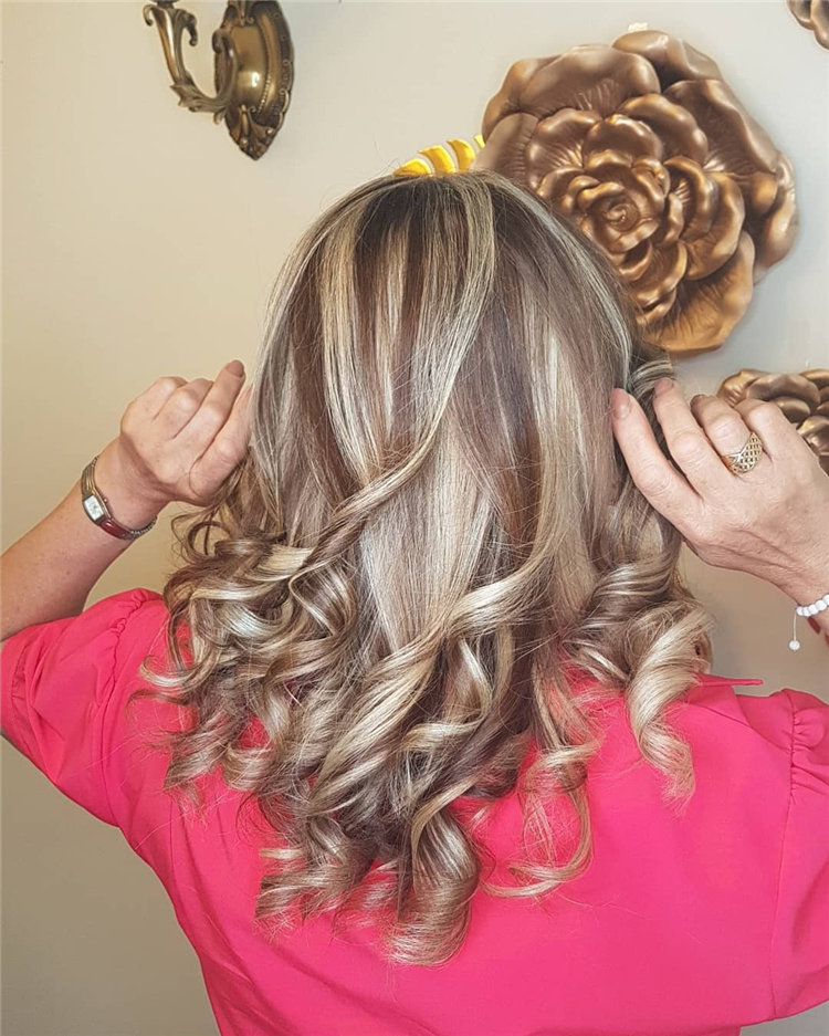 Platinum Blonde Hairstyle Ideas to Look Gorgeous 21