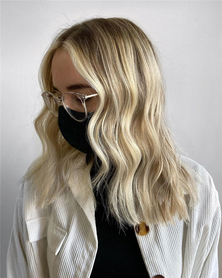 Platinum Blonde Hairstyle Ideas to Look Gorgeous 24