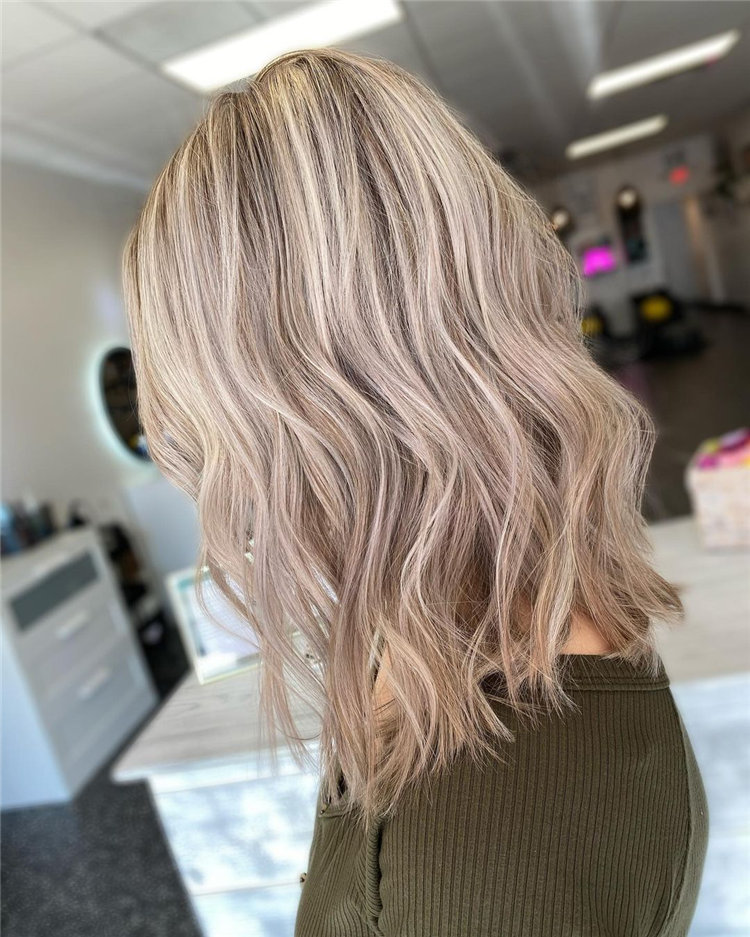 Platinum Blonde Hairstyle Ideas to Look Gorgeous 26