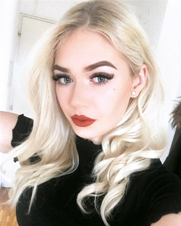 Platinum Blonde Hairstyle Ideas to Look Gorgeous 27