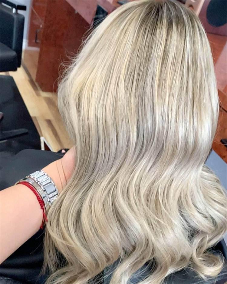 Platinum Blonde Hairstyle Ideas to Look Gorgeous 29