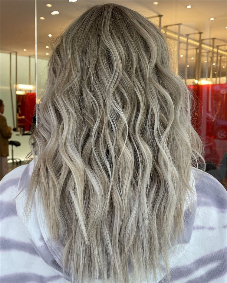 Platinum Blonde Hairstyle Ideas to Look Gorgeous 34