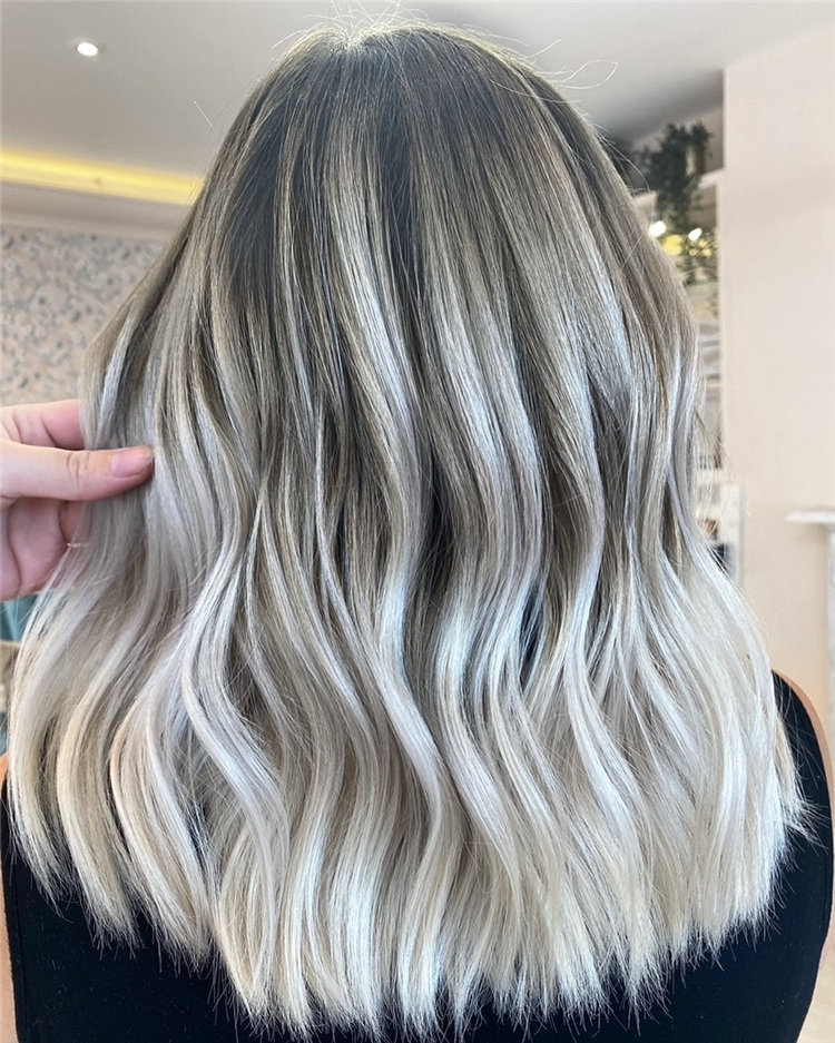 Platinum Blonde Hairstyle Ideas to Look Gorgeous 37