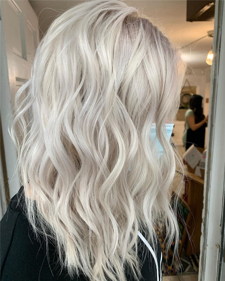 Platinum Blonde Hairstyle Ideas to Look Gorgeous 49