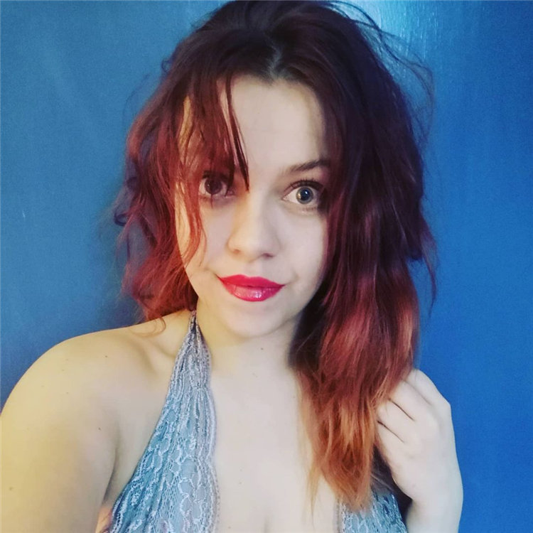 Red Messy Hair 1