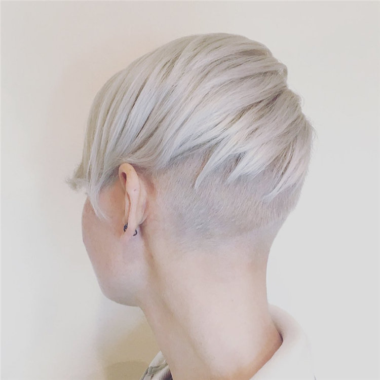 Incredible Short Hairstyles for Women 2021 02
