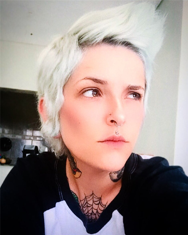 Incredible Short Hairstyles for Women 2021 18