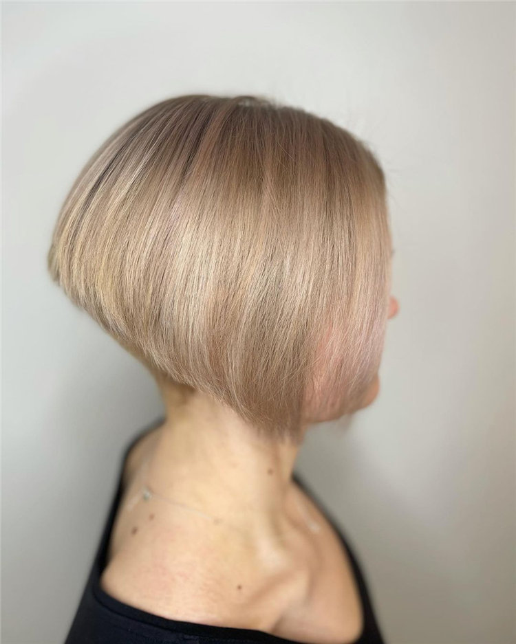 Incredible Short Hairstyles for Women 2021 37