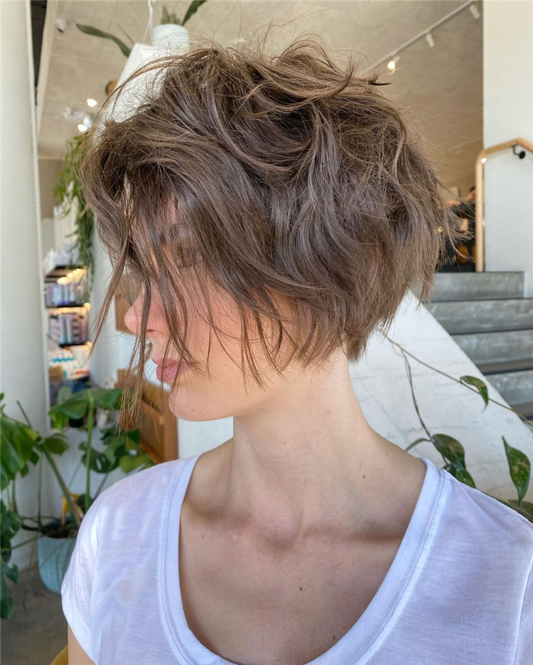 Incredible Short Hairstyles for Women 2021 38