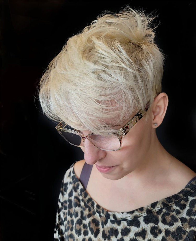 Incredible Short Hairstyles for Women 2021 42