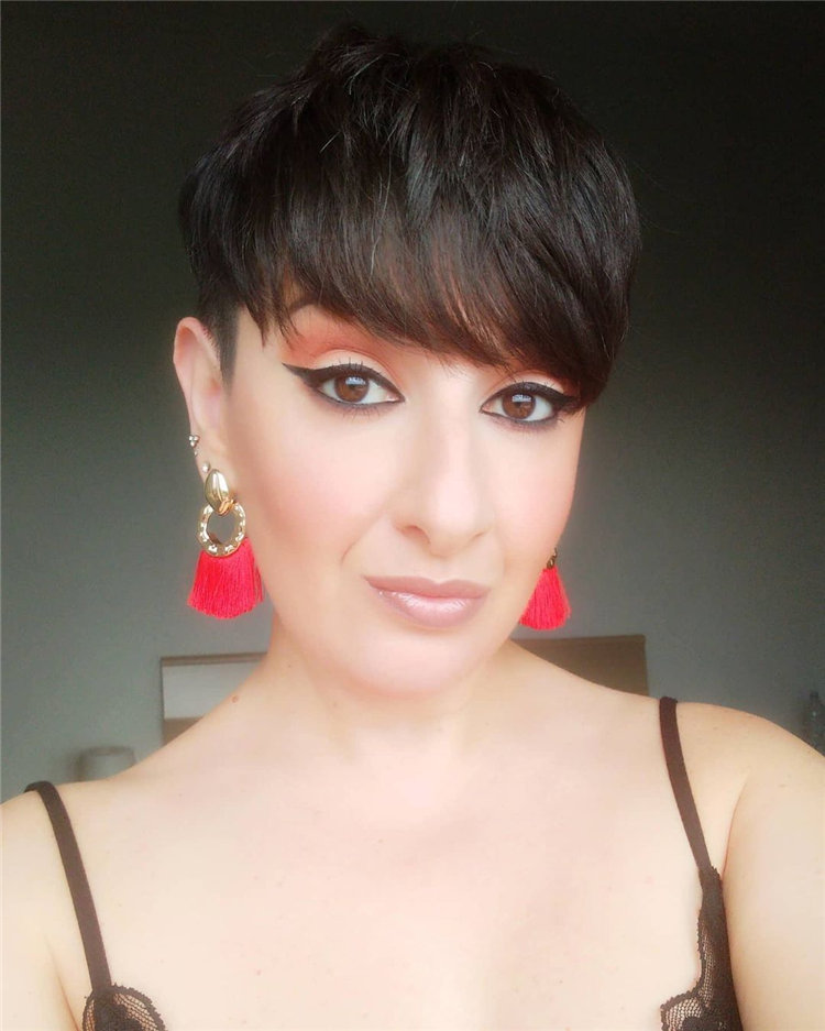 Incredible Short Hairstyles for Women 2021 49