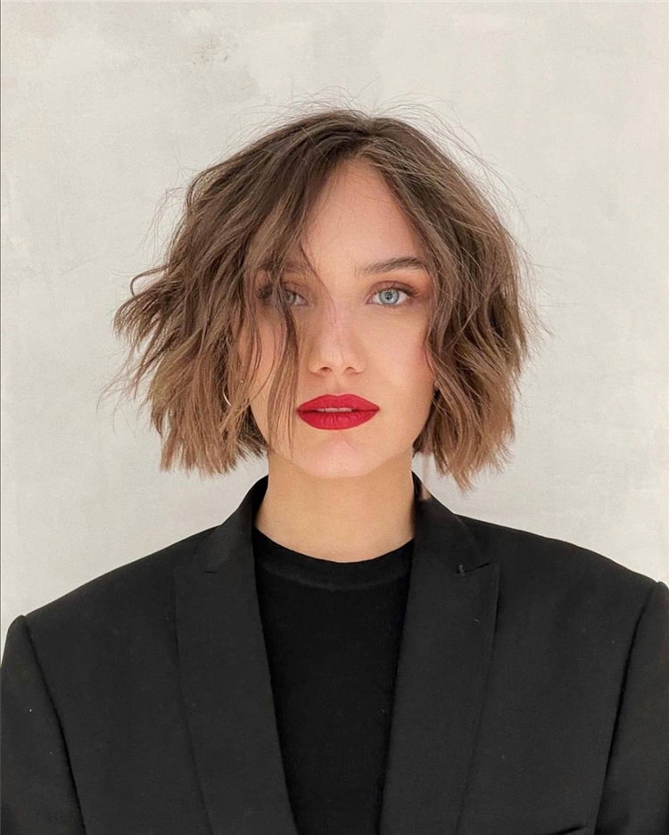 Incredible Short Hairstyles for Women 2021 84