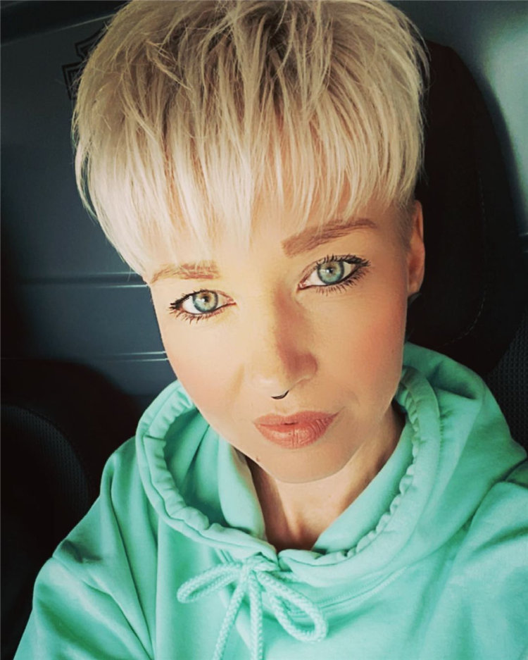 Incredible Short Hairstyles for Women 2021 86