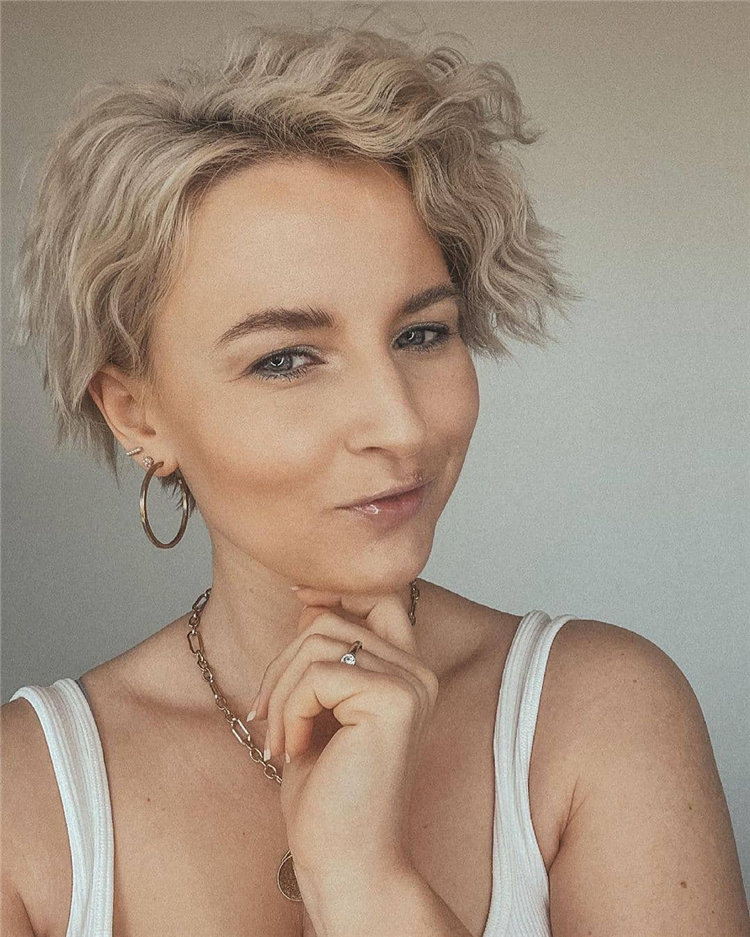 Incredible Short Hairstyles for Women 2021 92