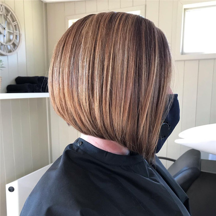 Inverted Bob Haircuts Women with Winning Looks 02