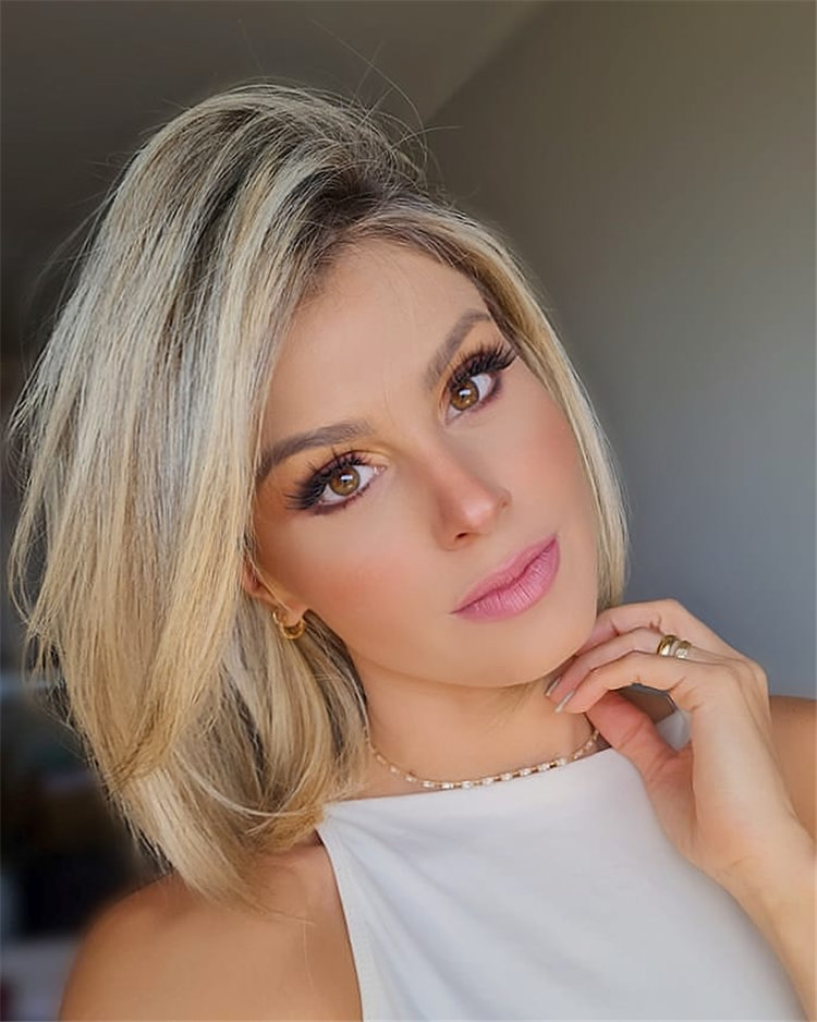 Side Parting Bob Hairstyle